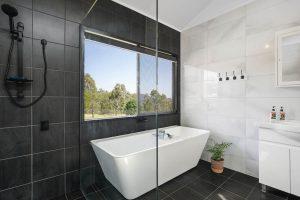 The Villa - Bathroom