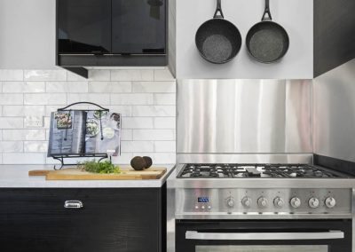 The Villa - Kitchen