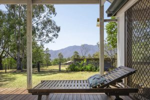 The Cottage - Deckchair with mountain views