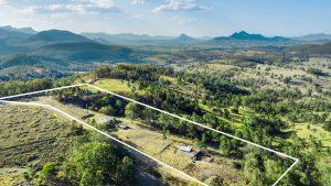 Hanoob Views - 10 acre property